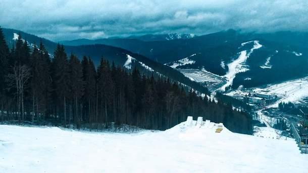 В Карпатах выпало почти 2 метра снега