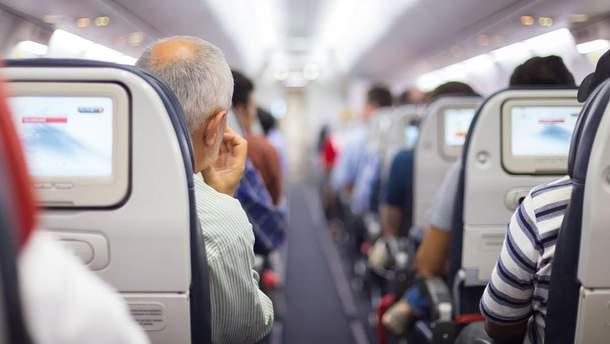 Літак повернувся до аеропорту, бо жінка забула дитину