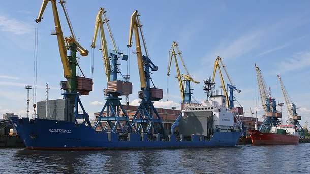 Маріупольський порт зазнає шалених втрат через Кримський міст