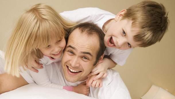 В Україні зареєстрували законопроект щодо 10-денного оплачуваного декрету для татусів