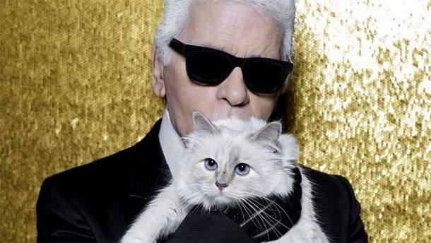 Карл Лагерфельд с кошкой Шупетт