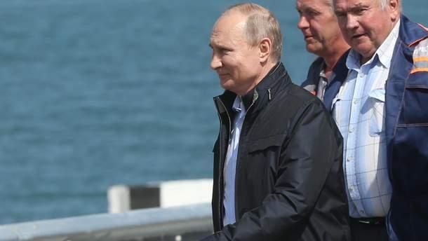 Путин на открытии незаконно построенного Россией Крымского моста
