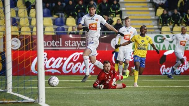 Нападающий сборной Украины забил два гола в чемпионате Бельгии: видео