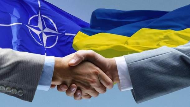 НАТО требует от РФ вернуть контроль над Крымом Украине