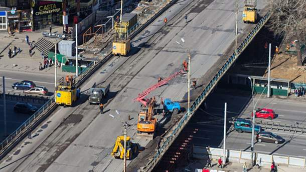 Шулявский мост закрыли на реконструкцию