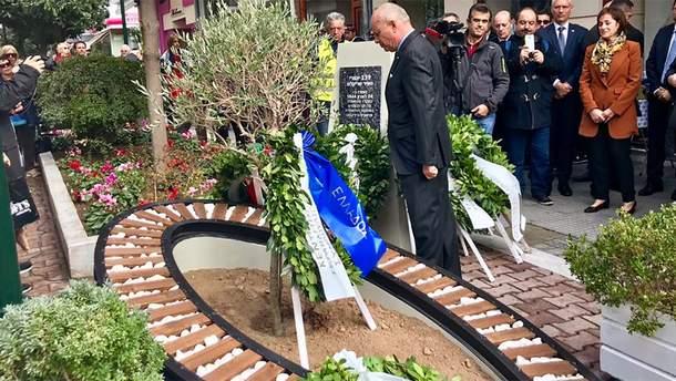 Мемориал в память о жертвах Холокоста в Трикале, центральной Греции