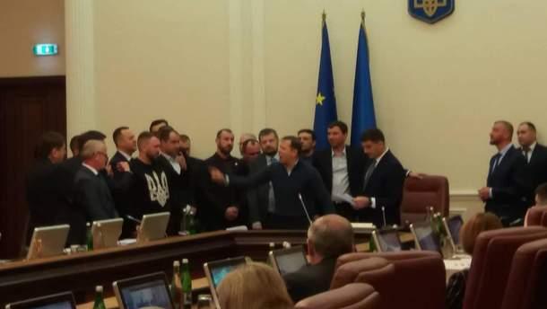 Ляшко попытался сорвать заседание Кабинета министров