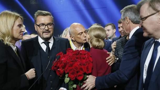 Пономарьов співає під політичної силою Тимошенко