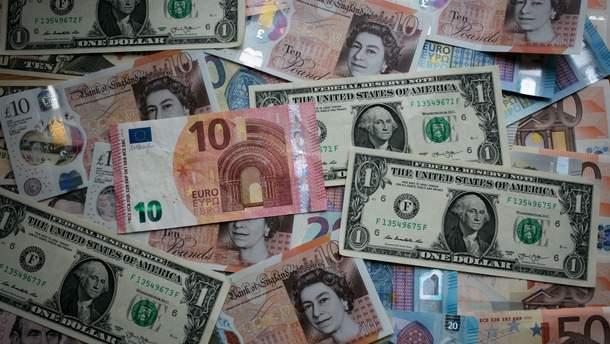 Курс валют вбанках иначерном рынке. Доллар дорожает, евро дешевеет
