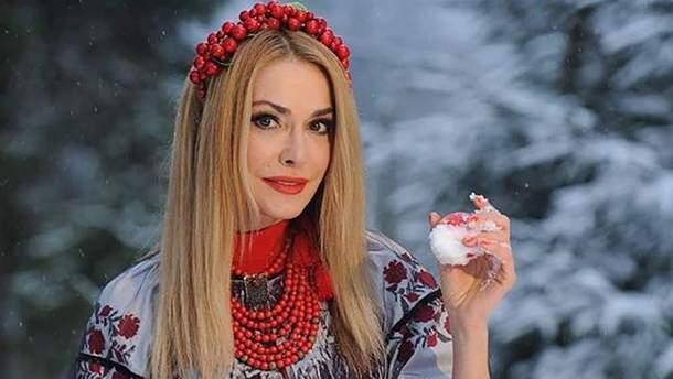 Топ-6 роскошных вышиванок в гардеробе Ольги Сумской