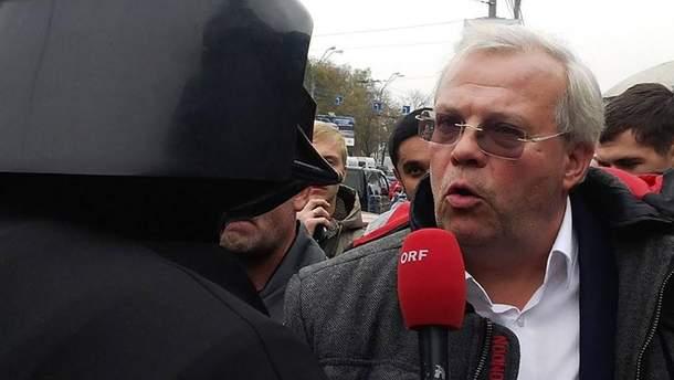 Австрийский журналист подал в суд из-за запрета въезда в Украину