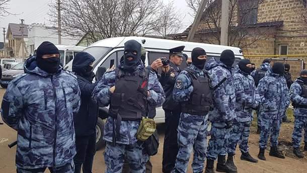 Россия задержала 20 крымских татар