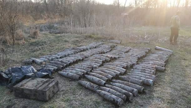 На базе отдыха на Луганщине нашли большой тайник оружия оккупантов: фото
