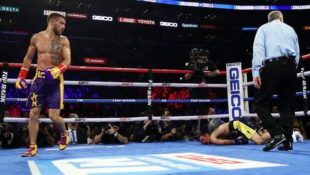 Український боксер Ломаченко нокаутував британця Кроллу і захистив чемпіонські пояси (відео бою)