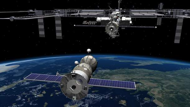 Как астронавты готовятся к выходу в космос