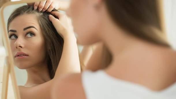 Про проблеми з метаболізмом свідчить випадіння волосся