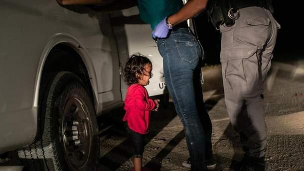 Плачущая девочка из Гондураса