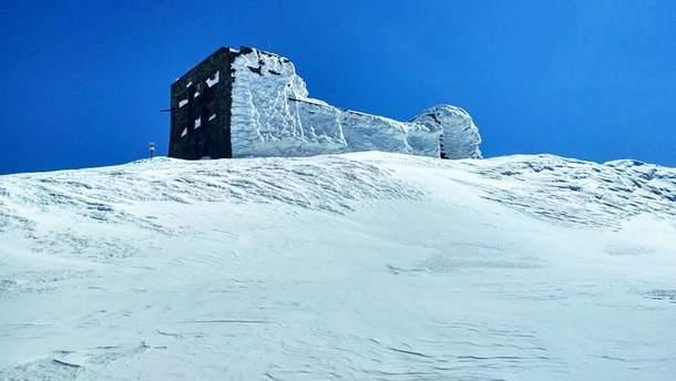Снег в Карпатах в апреле