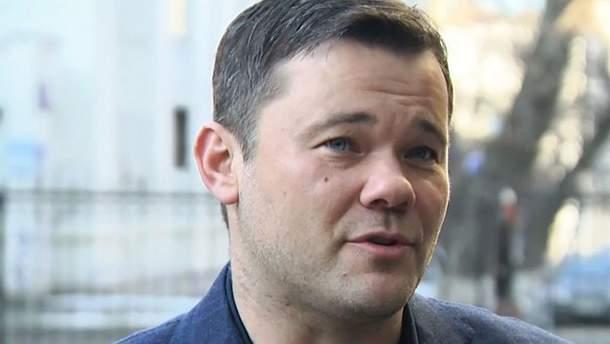 Андрей Богдан пригрозил судом журналистам-расследователям и обозвал их