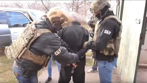 СБУ задержала полицейского, который работал на спецслужбы России