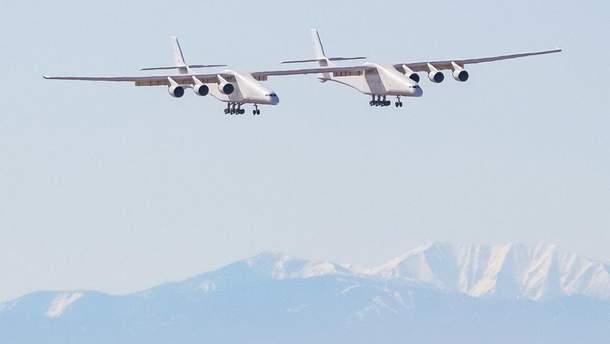 Первый полет крупнейшего самолета в мире компании Stratolaunch Systems