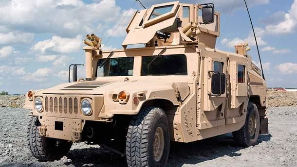 В Одессу привезли 35 военных джипов Hummer для ВСУ