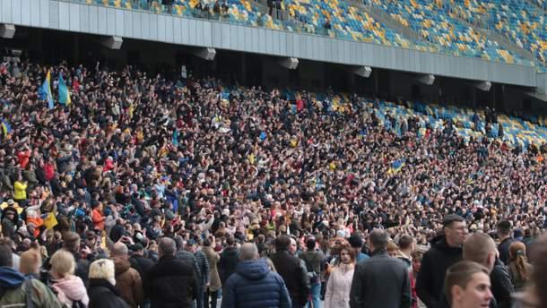 """НСК """"Олимпийский"""" 14 апреля в день проведения дебатов Петра Порошенко"""