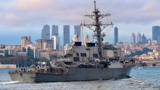 Ракетный эсминец США зашел в Черное море