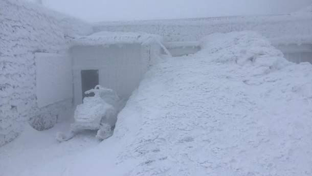 У Карпатах випало понад метр снігу