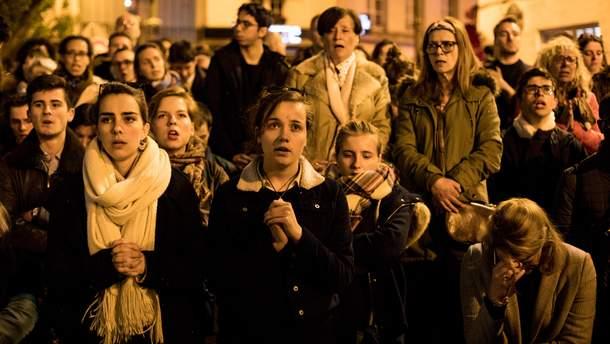 Вся Франция молилась, чтобы огонь не уничтожил Нотр-Дам