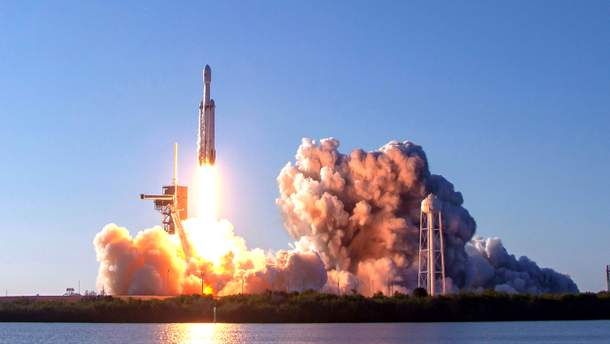 Частину ракети Falcon Heavy згубили в океані
