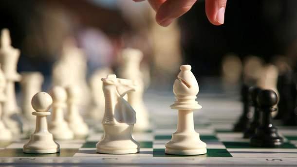 Шахматист обманывал соперника благодаря телефону и получил жесткое наказание
