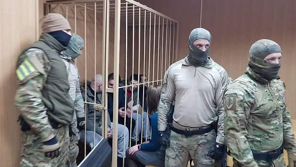 Суд Москвы оставил под арестом половину украинских моряков