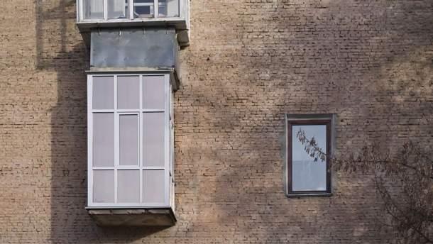 Архітектор створив фотоальбом про дивні українські балкони