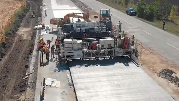 Строительство бетонной дороги Днепр – Решетиловка
