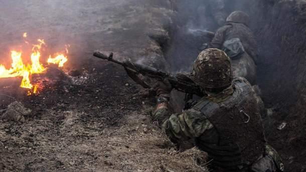 Окупанти поранили українського військового на Донбасі