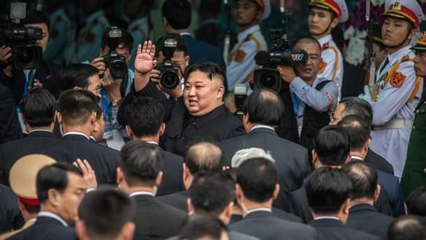 Ким Чен Ын на бронепоезде прибыл в Россию: фото, видео