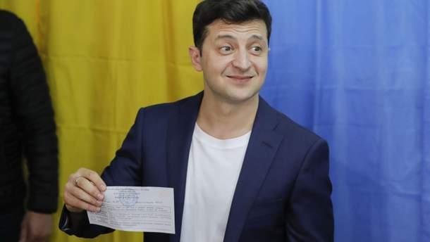 Зе-руйнівник: як саме актор зніс картковий будиночок української політики?