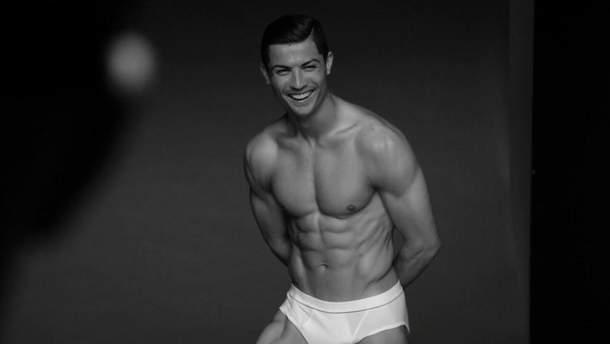 Роналду часто рекламирует свою серию нижнего белья