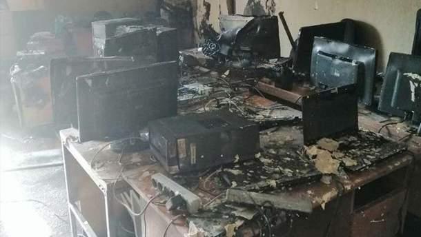 Раптово пожежа спалахнула у Міністерстві освіти і науки