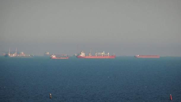 Росія знову штучно створює черги біля Керченської протоки