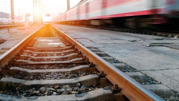 Підлітка вбило струмом під час розваг на даху потяга