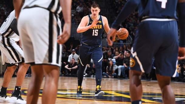 """""""Денвер"""" обыграл """"Сан-Антонио"""" и вышел во второй круг плей-офф НБА: видео"""