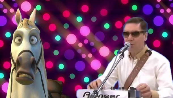 61-летний президент Туркменистана посвятил рэп своему коню: видео