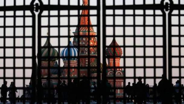 Кремль може відпустити українських полонених лише після тиску санкцій