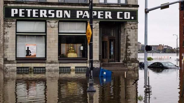 У США розлилася річка Міссісіпі, вода затопила вулиці