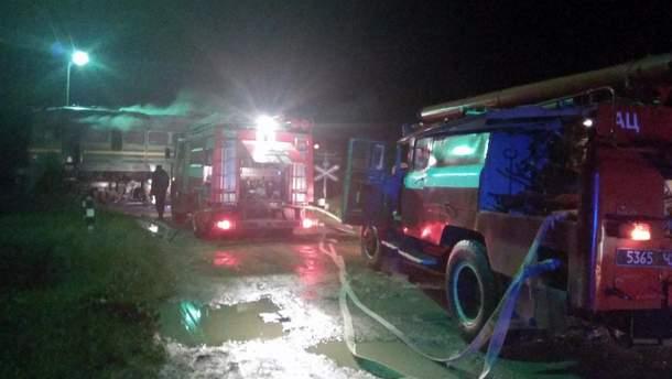 Возле Каменец-Подольского загорелся поезд с пассажирами