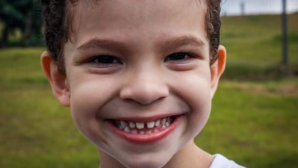 Як доглядати за дитячими зубами
