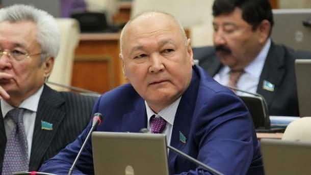 В Казахстане ЦИК сняла кандидата в президенты с выборов, потому что он провалил экзамен по языку