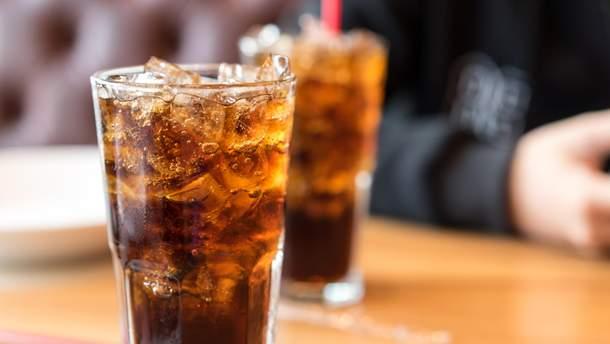 Вчені спростували міф про користь дієтичних напоїв